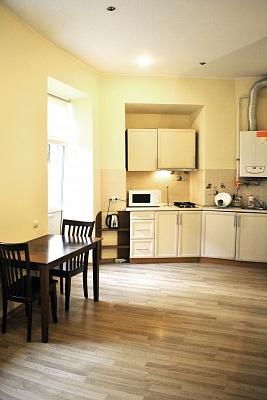 1-комнатная квартира посуточно в Львове. Галицкий район, ул. Леся Курбаса, 7. Фото 1