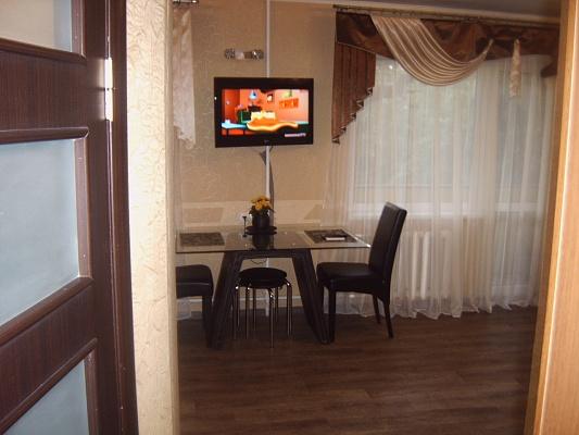 1-комнатная квартира посуточно в Одессе. Приморский район, ул. Нежинская, 73. Фото 1