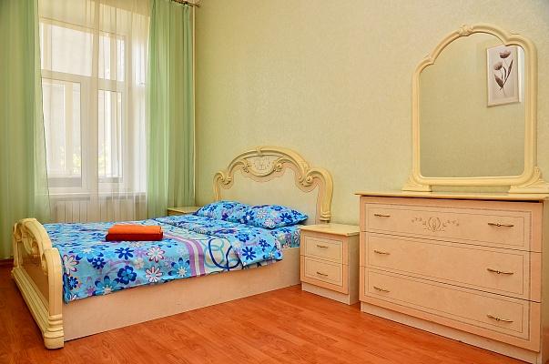 2-комнатная квартира посуточно в Киеве. ул. Большая Васильковская (Красноармейская), 76-Б. Фото 1