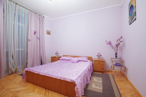 2-комнатная квартира посуточно в Львове. Лычаковский район, ул. Рыльского, 10. Фото 1