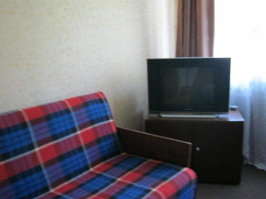1-комнатная квартира посуточно в Ровно. ул. Гагарина, 8-Б. Фото 1