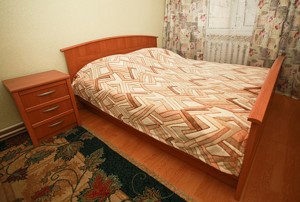2-комнатная квартира посуточно в Ровно. ул. Чорновола, 17. Фото 1