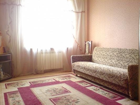 3-комнатная квартира посуточно в Ивано-Франковске. ул. Мазепи, 17. Фото 1