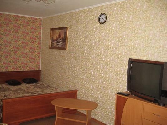 1-комнатная квартира посуточно в Херсоне. Суворовский район, пр-т Ушакова, 58. Фото 1