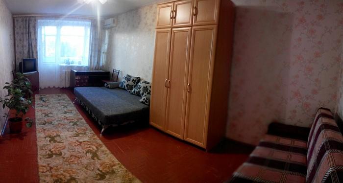 1-комнатная квартира посуточно в Бердянске. горбенко, 1. Фото 1