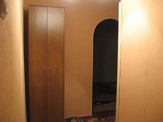 1-комнатная квартира посуточно в Белой Церкви. ул. Ярослава Мудрого, 26. Фото 1