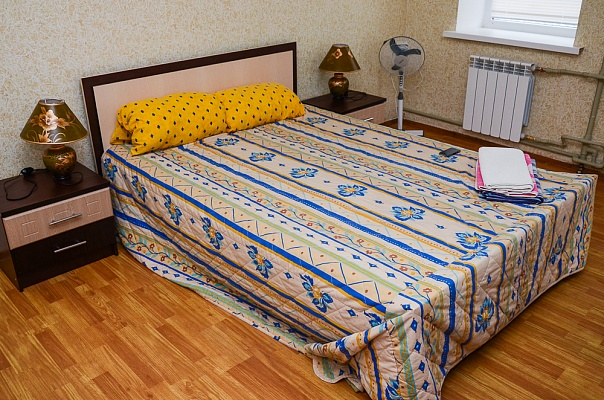 1-комнатная квартира посуточно в Сумах. Ковпаковский район, ул. Горького, 3. Фото 1