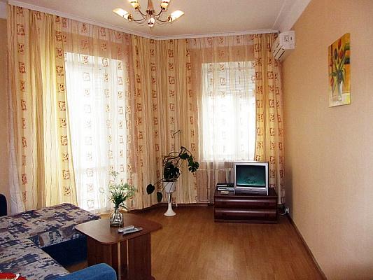 2-комнатная квартира посуточно в Киеве. Печерский район, ул. Дарвина, 1. Фото 1