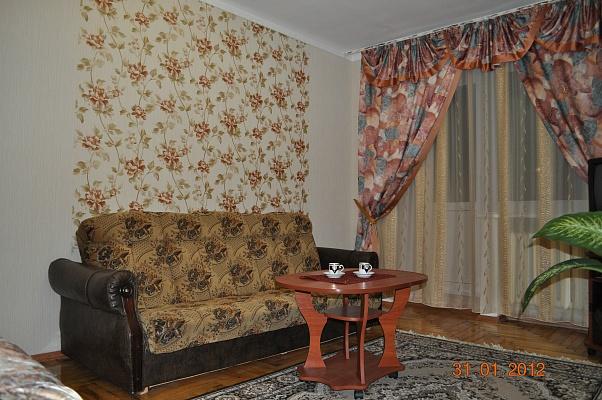 1-комнатная квартира посуточно в Запорожье. Орджоникидзевский район, пр-т Соборный (Ленина), 141. Фото 1