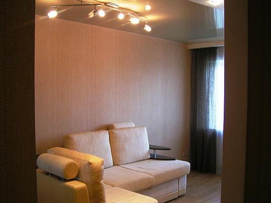 1-комнатная квартира посуточно в Днепропетровске. Кировский район, ул. Набережная Ленина, 8. Фото 1