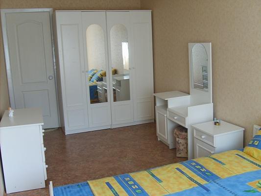 2-комнатная квартира посуточно в Кременчуге. ул. Чапаева, 66. Фото 1