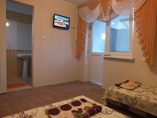 Мини-отель  посуточно в Орджоникидзе. ул. Тихая, 24. Фото 1
