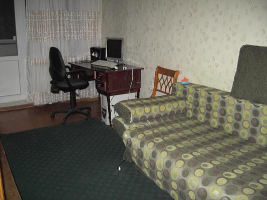 2-комнатная квартира посуточно в Хмельницком. ул. Соборная, 33. Фото 1