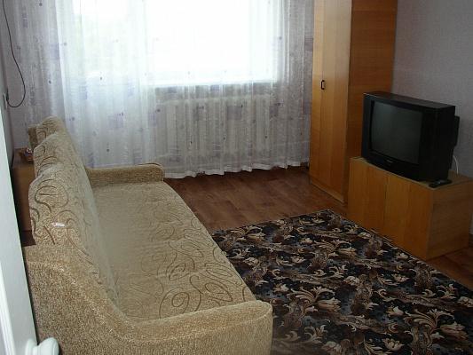 1-комнатная квартира посуточно в Евпатории. ул. Дёмышева, 102. Фото 1