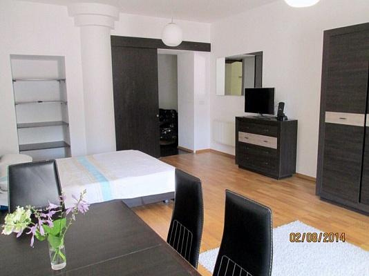 2-комнатная квартира посуточно в Львове. Галицкий район, ул. Коперника, 5. Фото 1