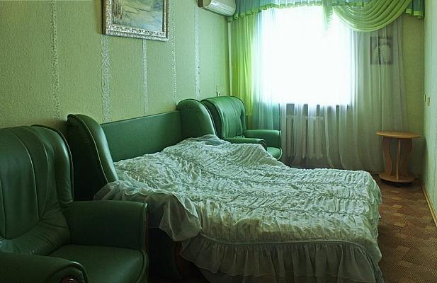 3-комнатная квартира посуточно в Севастополе. Ленинский район, ул. Гоголя, 20А. Фото 1