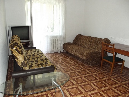1-комнатная квартира посуточно в Феодосии. ул. Шаумяна, 1. Фото 1