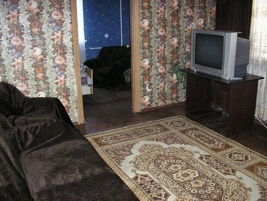 2-комнатная квартира посуточно в Хмельницком. ул. Соборная, 26. Фото 1