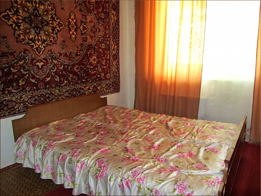 3-комнатная квартира посуточно в Южноукраинске. набережная, 7. Фото 1