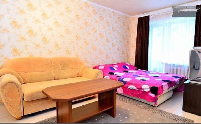 1-комнатная квартира посуточно в Донецке. Ворошиловский район, пр-т Гринкевича, 2. Фото 1