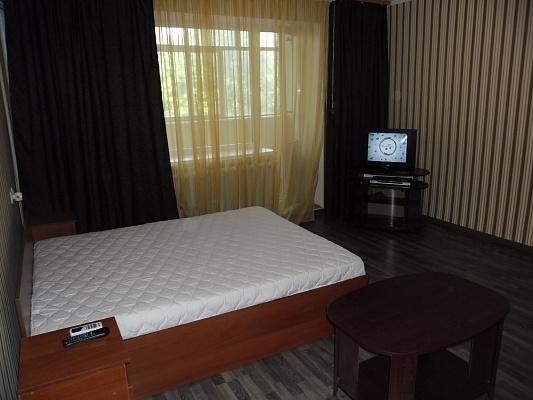 1-комнатная квартира посуточно в Кременчуге. Цюрупы, 15. Фото 1