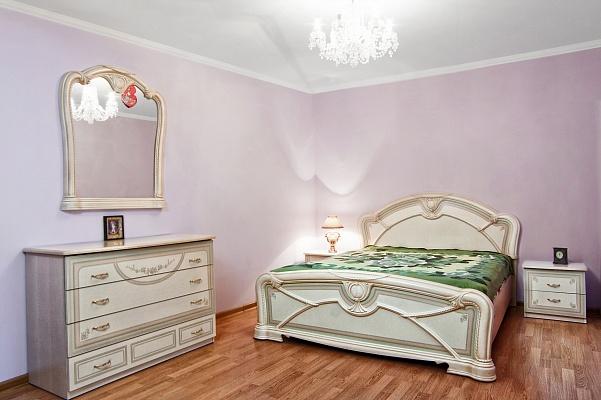 3-комнатная квартира посуточно в Трускавце. ул. Маркиана Шашкевича, 3. Фото 1