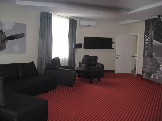 4-комнатная квартира посуточно в Броварах. ул. Кирова, 90. Фото 1