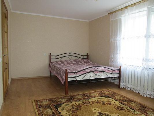1-комнатная квартира посуточно в Бердянске. ул. Горького, 45/2. Фото 1
