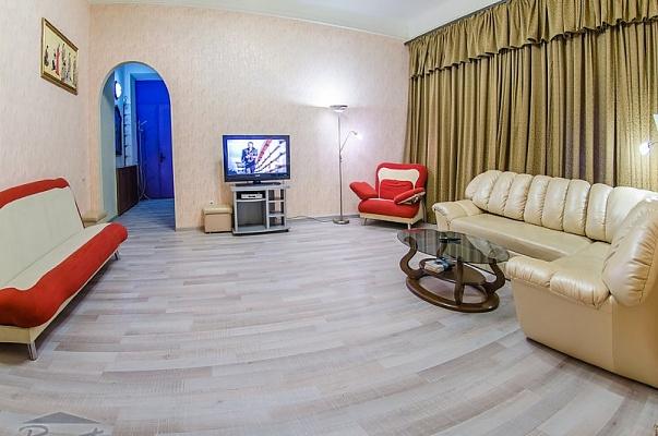 2-комнатная квартира посуточно в Киеве. Печерский район, ул. Лютеранская, 8. Фото 1