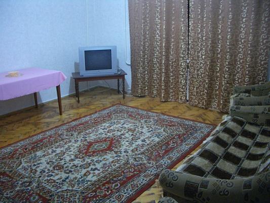 1-комнатная квартира посуточно в Мелитополе. ул. Кирова, 55. Фото 1