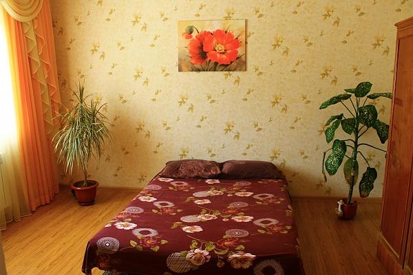 Дом  посуточно в Бердянске. ул. Петровского, 57. Фото 1