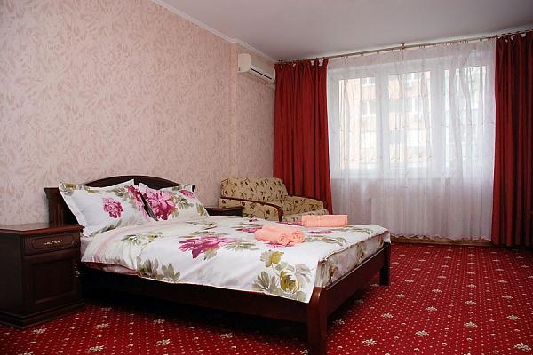1-комнатная квартира посуточно в Киеве. Днепровский район, ул.Р.Окипной. Фото 1