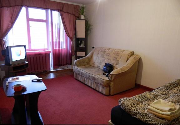 1-комнатная квартира посуточно в Каменце-Подольском. ул. Тимирязева, 150. Фото 1