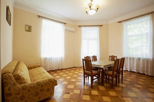 3-комнатная квартира посуточно в Львове. Зализнычный район, ул. Одесская, 14. Фото 1