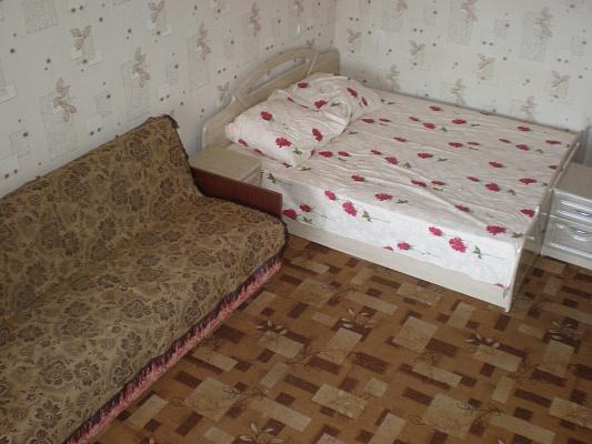 1-комнатная квартира посуточно в Хмельницком. ул. Заречанская, 18/2. Фото 1