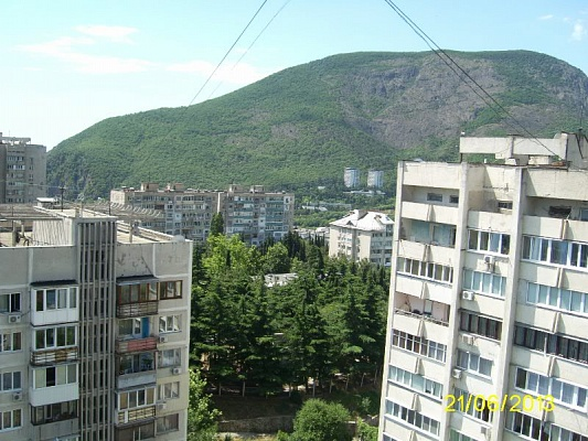 2-комнатная квартира посуточно в Партените. ул. Фрунзенское шоссе, 14. Фото 1