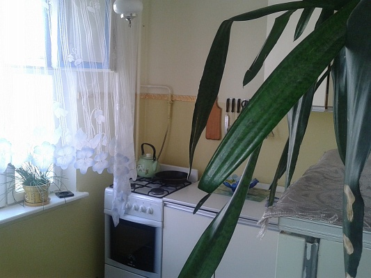 2-комнатная квартира посуточно в Керчи. ул. Ворошилова, 45. Фото 1
