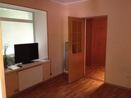 2-комнатная квартира посуточно в Евпатории. ул. Пионерская, 22. Фото 1