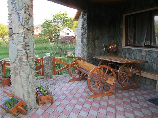 Дом  посуточно в Яремче. г. Яремче район, ул. Михаила Грушевского, 22. Фото 1