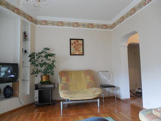 2-комнатная квартира посуточно в Партените. Фрунзенское шоссе, 8. Фото 1