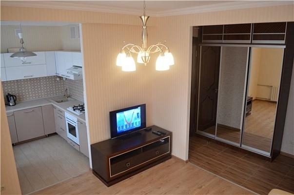 2-комнатная квартира посуточно в Донецке. Ворошиловский район, ул. Гринкевича, 8. Фото 1