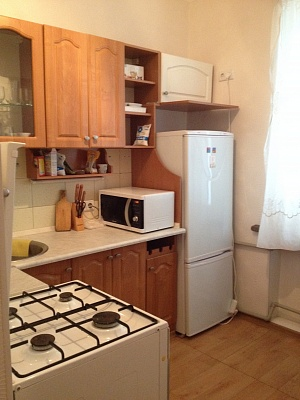 1-комнатная квартира посуточно в Донецке. Киевский район, ул. Артема, 163б. Фото 1