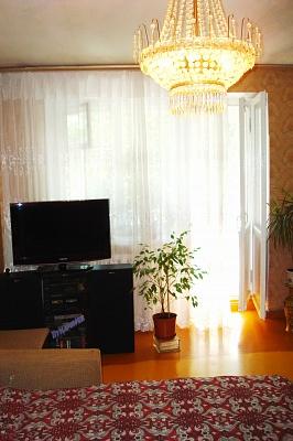 2-комнатная квартира посуточно в Ильичёвске. Пригород район, ул. 1 мая, 4. Фото 1