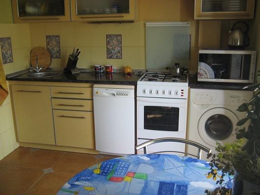 1-комнатная квартира посуточно в Севастополе. Ленинский район, ул. Генерала Лебедя, 30. Фото 1
