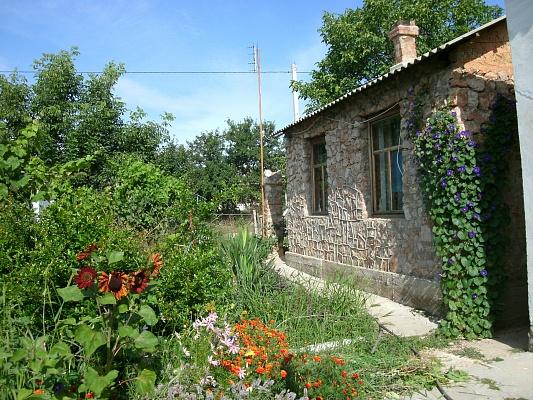 Дом  посуточно в Севастополе. Нахимовский район, п. Осипенко. Фото 1