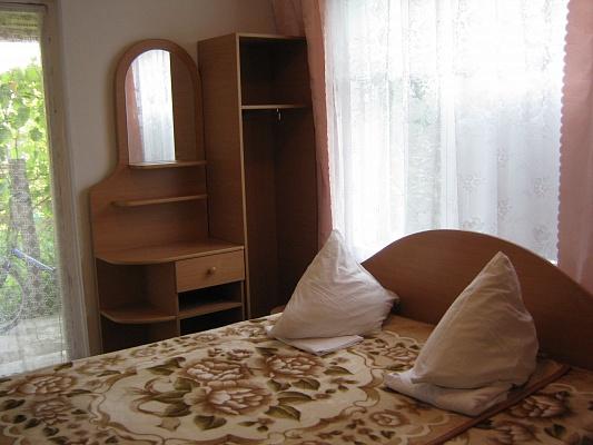 Мини-отель  посуточно в Лазурном. ул. Степная, 65. Фото 1