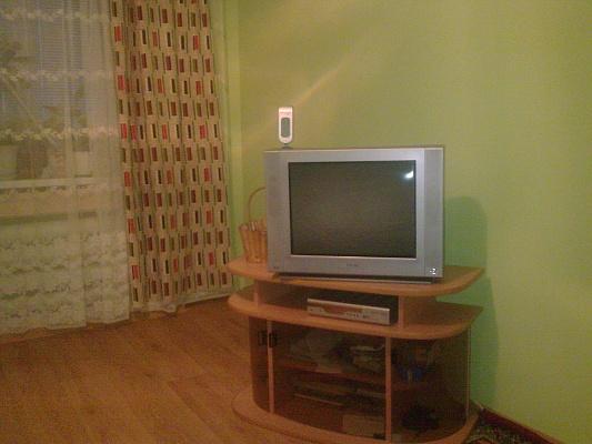 1-комнатная квартира посуточно в Кременчуге. Героев Сталинграда. Фото 1