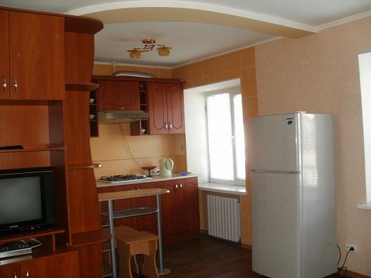 1-комнатная квартира посуточно в Полтаве. Киевский район, ул. Крамского, 5. Фото 1