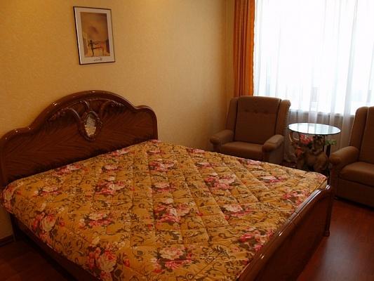 3-комнатная квартира посуточно в Феодосии. ул. Федько, 1а. Фото 1