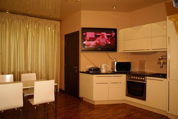 1-комнатная квартира посуточно в Киеве. Святошинский район, Саратовская. Фото 1